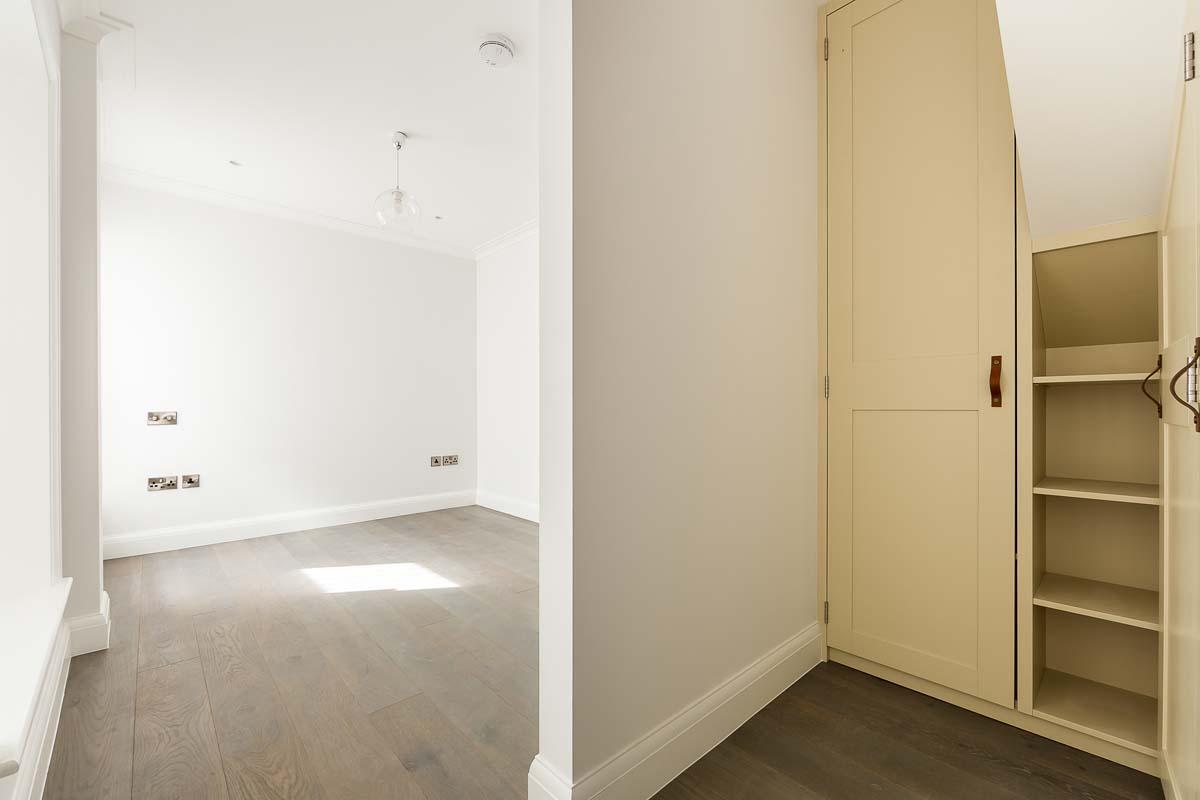 Atlas Mansions Flat 2 - bed-2