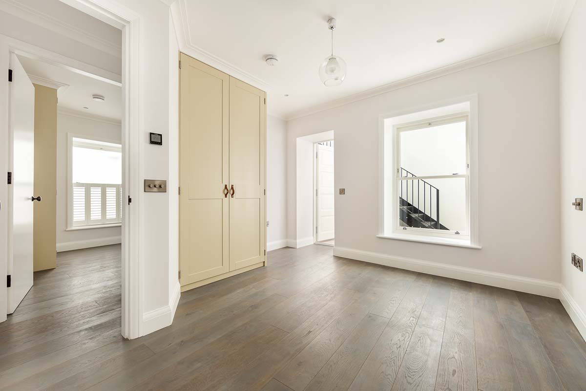 Atlas Mansions Flat 2 - bed-4