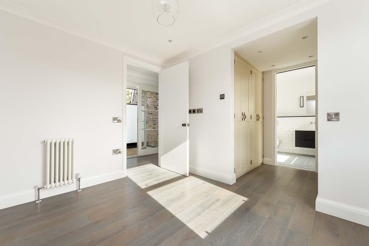 Atlas Mansions Flat 4 - bed-2