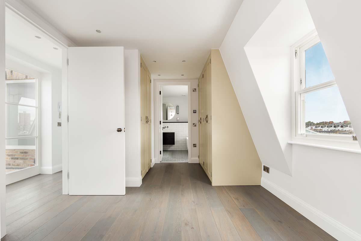 Atlas Mansions Flat 5 - bed